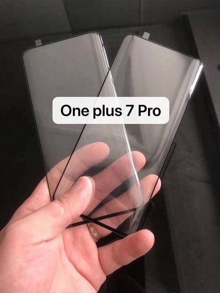 Изогнутый дисплей — флагманский признак. Живые фото подтверждают, что экран OnePlus 7 Pro будет загнут по бокам