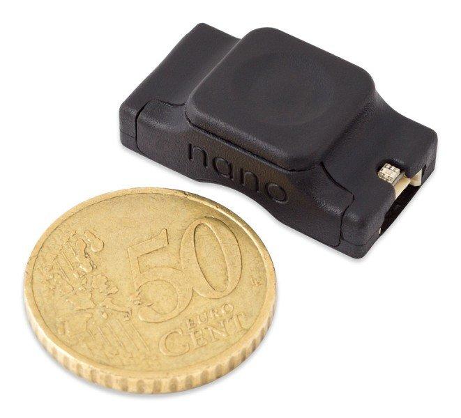 К миниатюрному контроллеру Aqua Computer Farbwerk Nano можно подключить до 90 адресуемых светодиодов RGB
