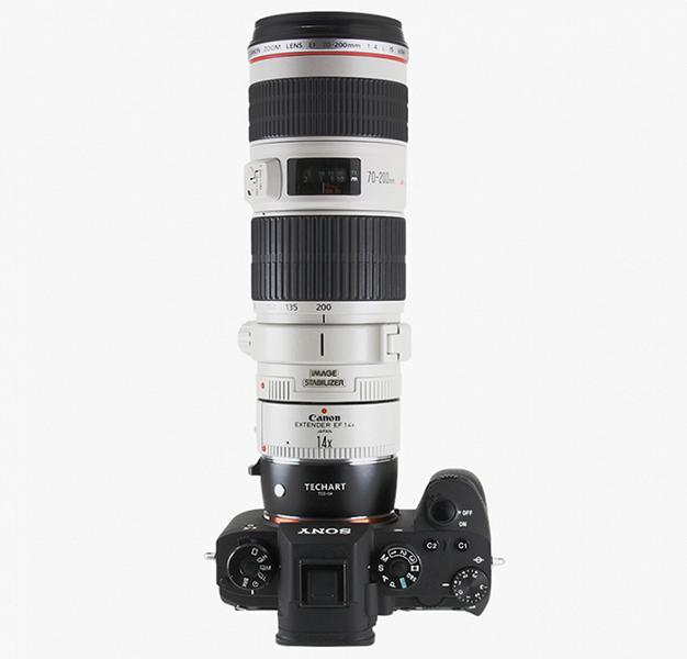 Переходник Techart TCS-04 позволяет использовать объективы Canon EF с камерами Sony E с сохранением автоматической фокусировки