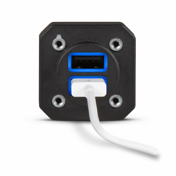 Garmin GSB 15 — зарядное устройство USB для самолетов