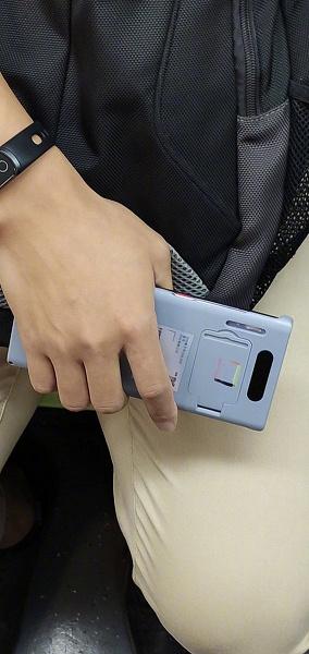Huawei Mate 30 Pro замечен в руках пользователя