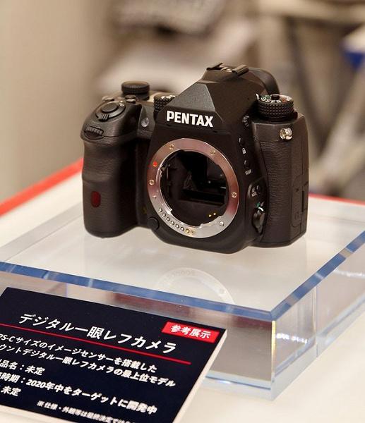Появились новые снимки флагманской зеркальной камеры Pentax формата APS-C