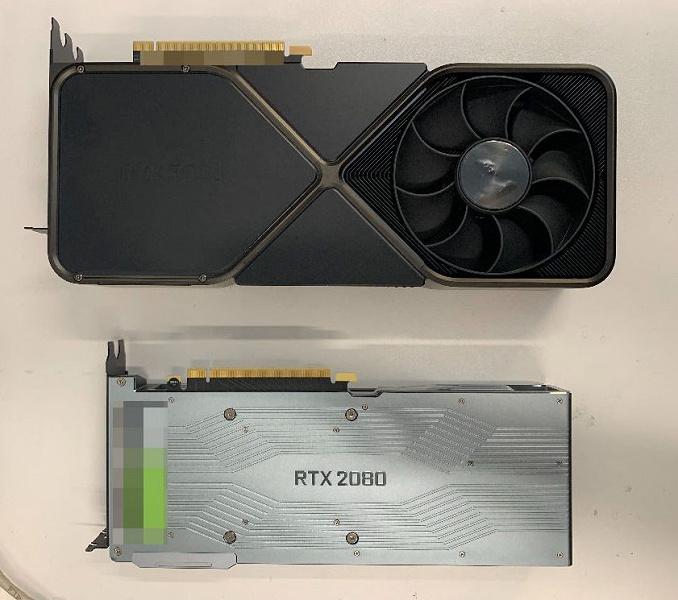 Это GeForce RTX 3090, и она огромна. Рядом с ней RTX 2080 смотрится весьма компактной