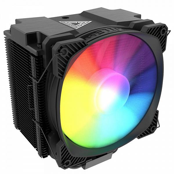 Радиатор процессорной системы охлаждения Montech Air Cooler 210 смещен, чтобы не мешать модулям памяти