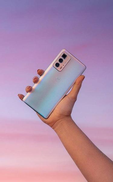 OLED, 144 Гц, 108 Мп и первый перископный модуль: представлен флагманский смартфон Motorola Edge 20 Pro, скоро в России