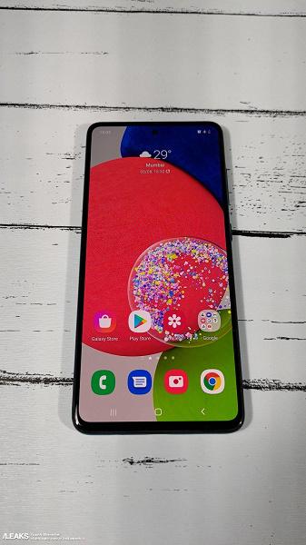 Самый мощный среднебюджетный смартфон Samsung: первые живые фото Galaxy A52s во включённом состоянии и с коробкой