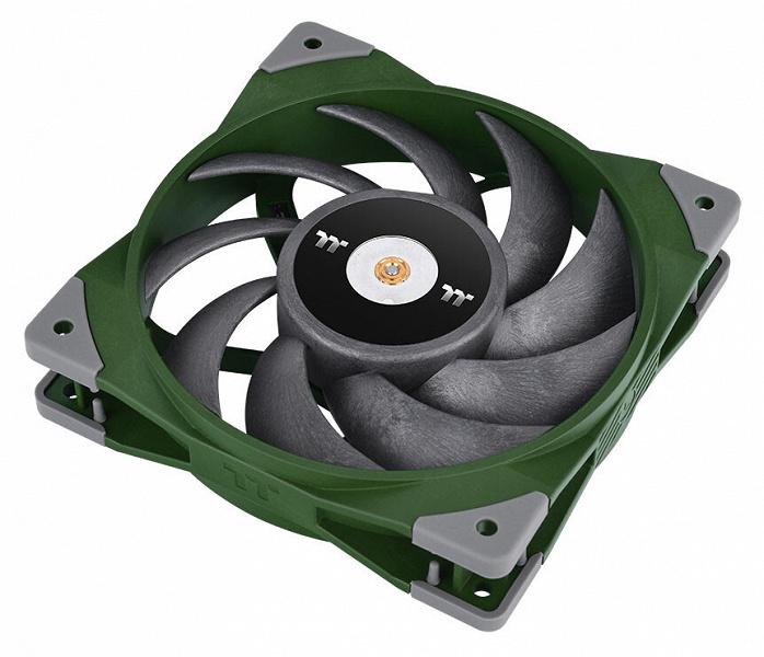 Вентилятор Thermaltake Toughfan 12 предложен в двух неизбитых цветах