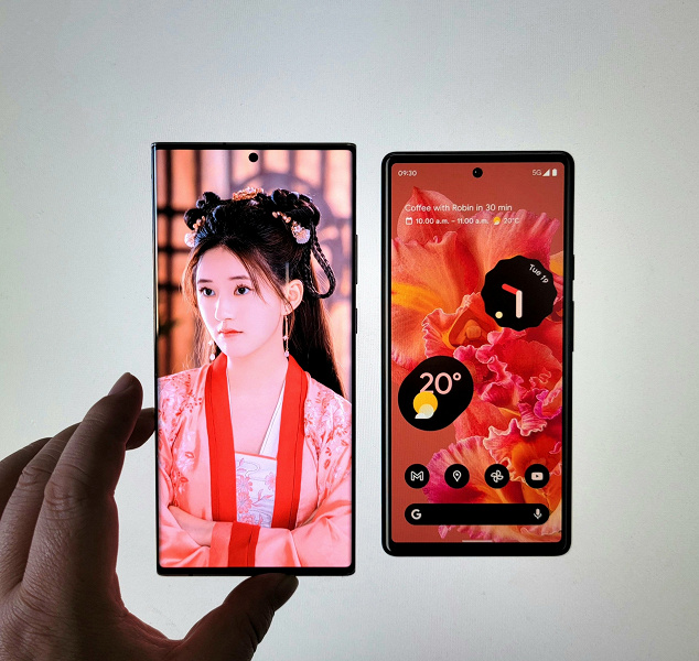 Google Pixel 6 looks like a budget smartphone compared to Samsung Galaxy Note20 Ultra: it's all about a huge frame