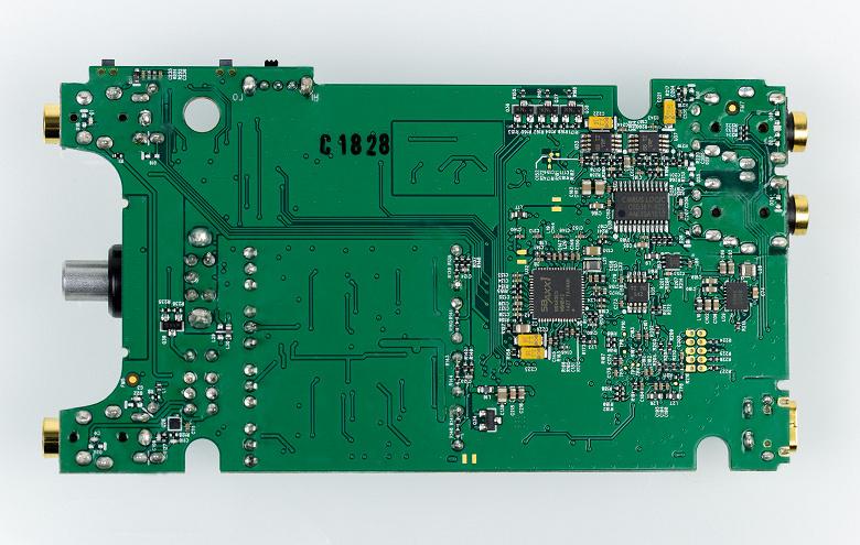 Внешняя звуковая карта Creative Sound BlasterX G6 с