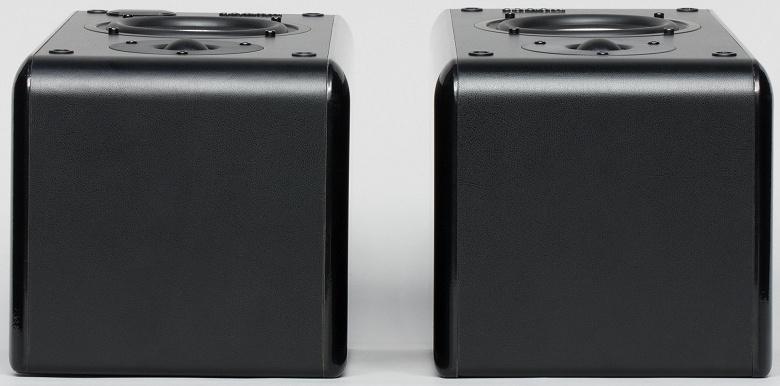 Верхняя поверхность Microlab Solo 11
