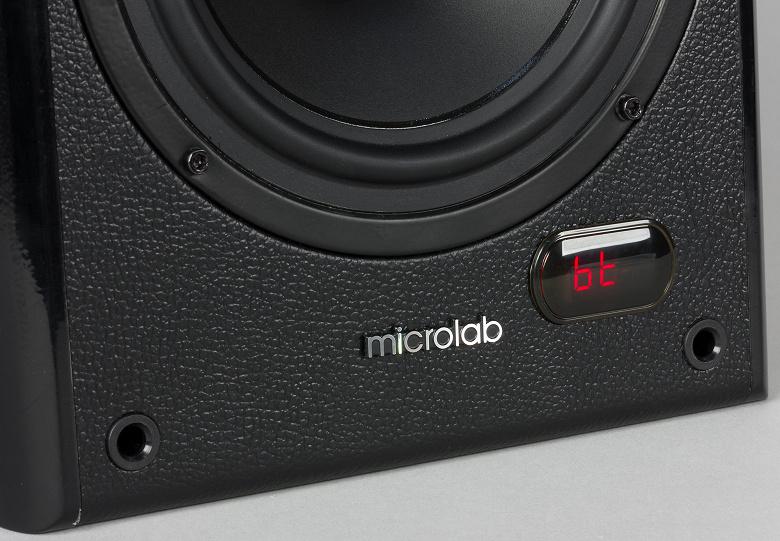 Дисплей Microlab Solo в режиме Bluetooth