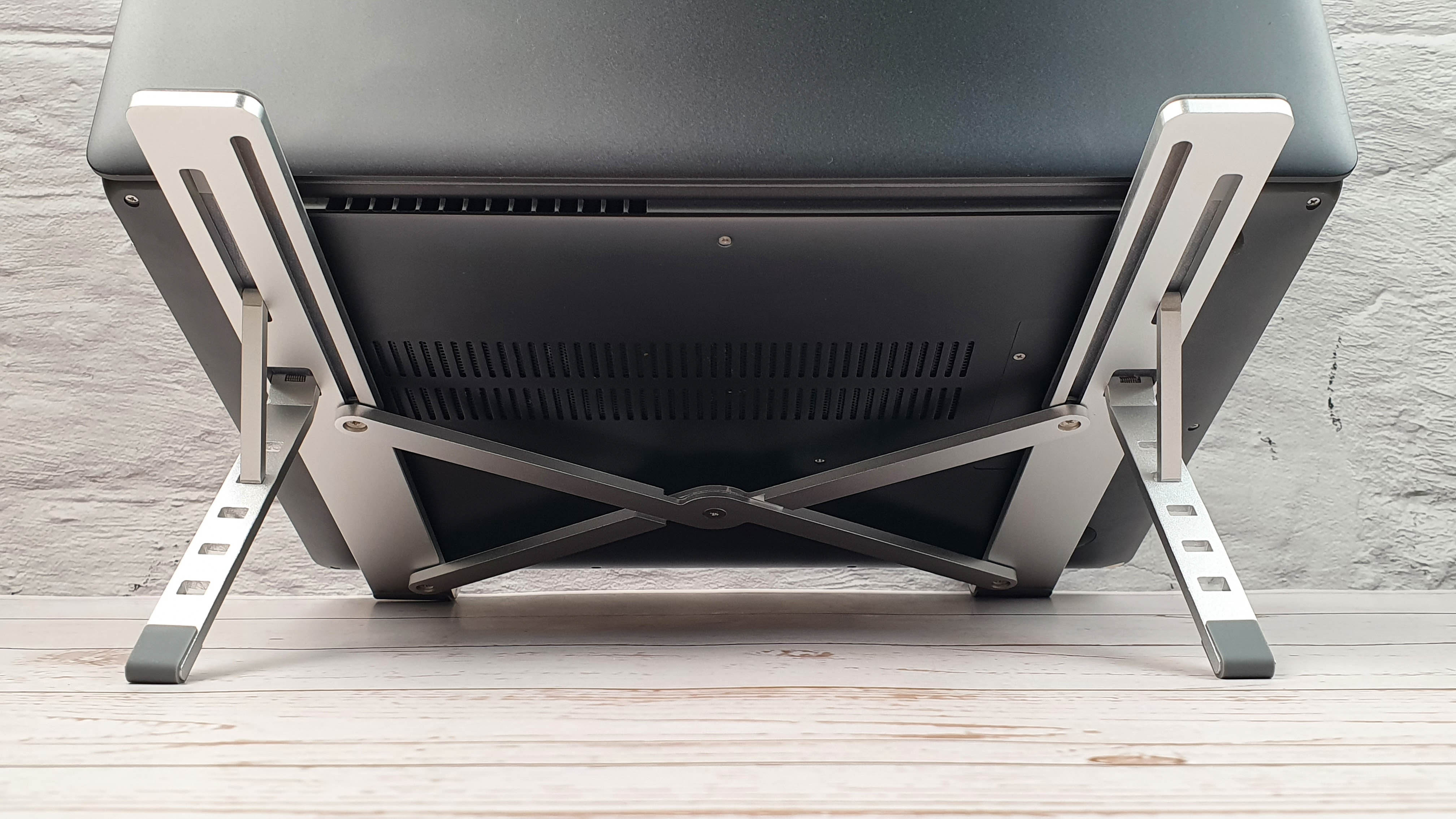 Универсальная складная подставка Ugreen для ноутбука: прагматичность и комфорт. Обзор на InSKU.com