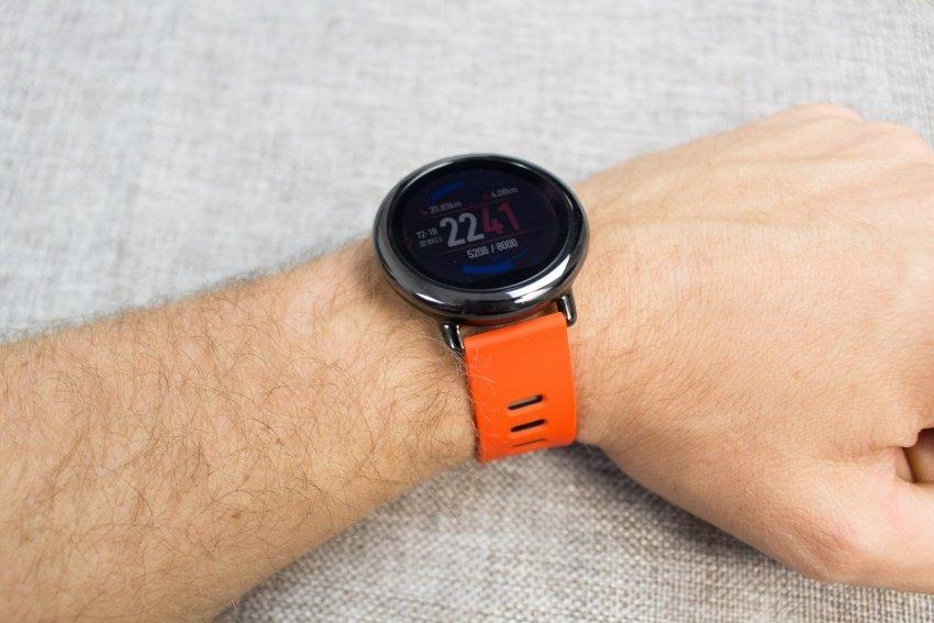 Когда у вас такие часы на руке — сразу понятно, что вы эдакий  спортсмен-бегун. Дизайн не строгий, а спортивный, при этом, несерьезным его  называть я бы не ... e38fd48a9a3