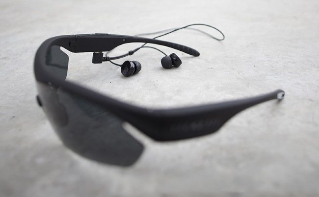 Bluetooth-гарнитура в формате солнцезащитных очков X-Ride