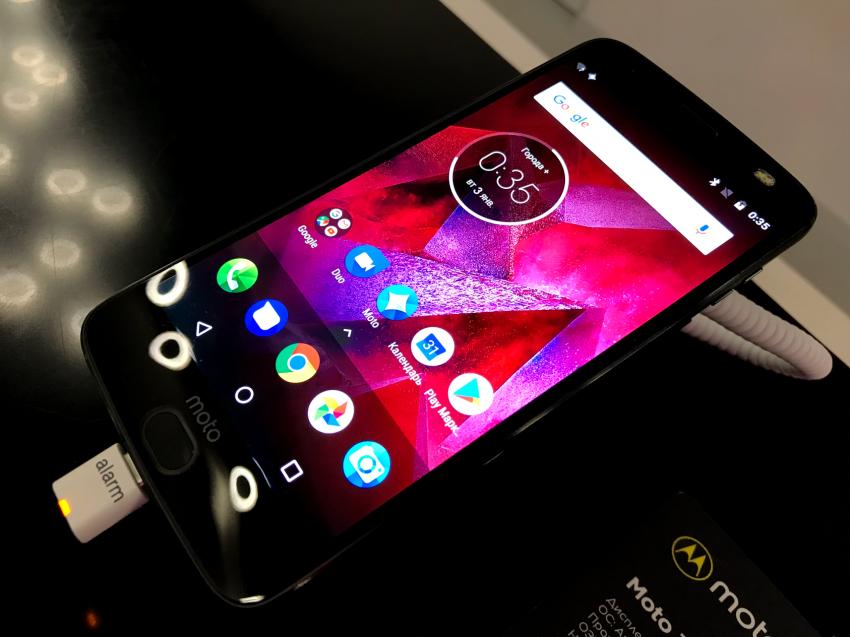 Motorola представила полную линейку модулей Moto Mods для российского рынка