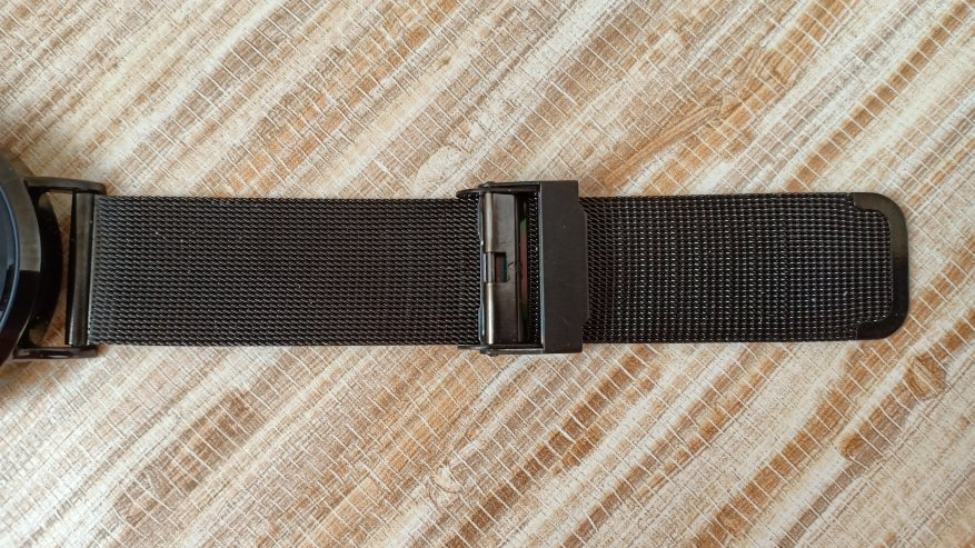 TomTop: Фитнес браслет или смарт часы CV08,  которые умеют измерять пульс и артериальное давление.