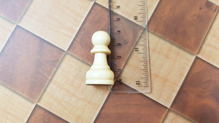 AliExpress: Классические настольные игры с деревянными фигурками: шахматы, шашки, нарды