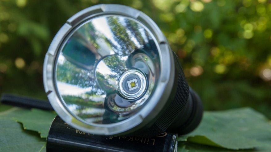 مصباح يدوي قوي بعيد المدى Nightwatch NI40 Stalker: SST40 LED وبطارية 26650 30