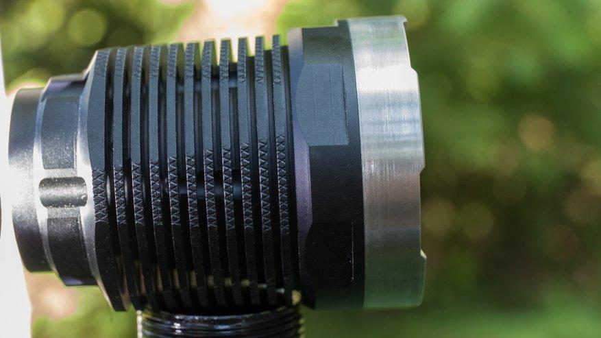 مصباح يدوي قوي بعيد المدى Nightwatch NI40 Stalker: SST40 LED وبطارية 26650 22