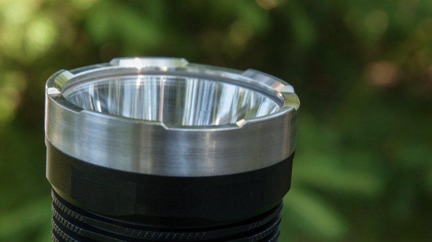 مصباح يدوي قوي بعيد المدى Nightwatch NI40 Stalker: SST40 LED وبطارية 26650 24