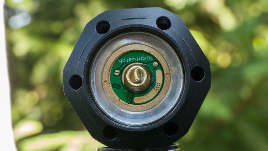 مصباح يدوي قوي بعيد المدى Nightwatch NI40 Stalker: SST40 LED وبطارية 26650 11