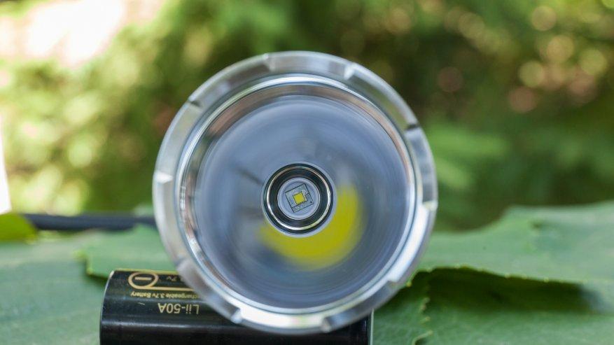 مصباح يدوي قوي بعيد المدى Nightwatch NI40 Stalker: SST40 LED وبطارية 26650 36