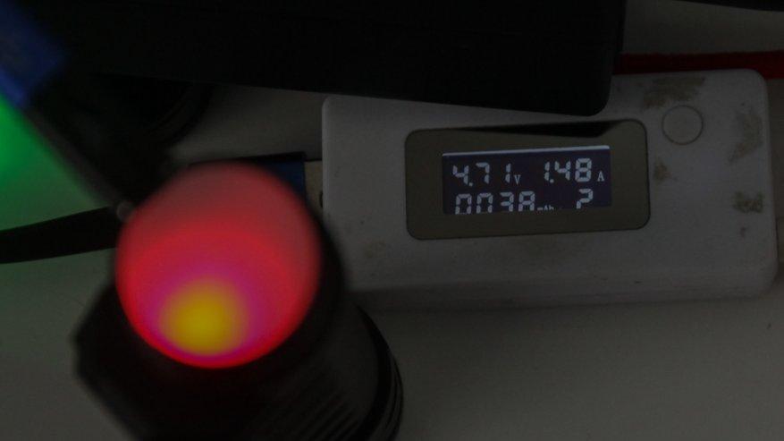 Acebeam H50: مصباح أمامي ساطع مدمج به ثلاثة مصابيح LED 15