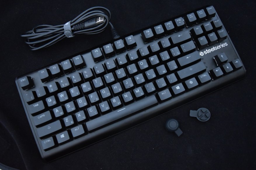 Магазины Украины и СНГ: SteelSeries Apex M750 TKL — механическая игровая клавиатура, которая цепляет взгляд