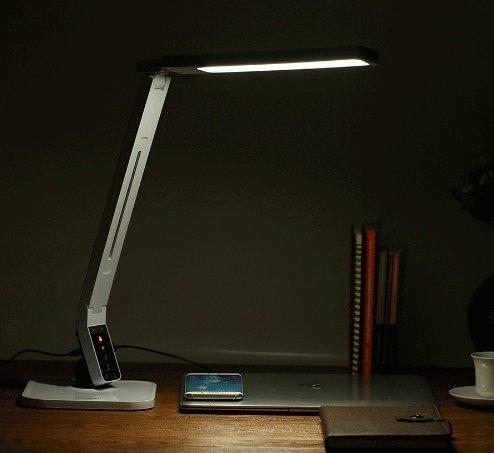 Эта лампа от известного бренда BlitzWolf отлично впишется в интерьер вашего  стола, и вы не пожалеете о качестве ее освещения. Имеет 4 режима света, ... f8b0855f064