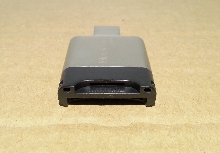 قارئ بطاقات Kingston MobileLite G4 USB 3.0: قوي وموثوق و UHS-II 12
