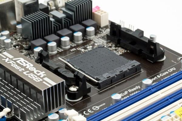 Хорошо, что есть обе разновидности S/PDIF-Out; очень хорошо, что предусмотрели кнопку для сброса настроек BIOS (на...