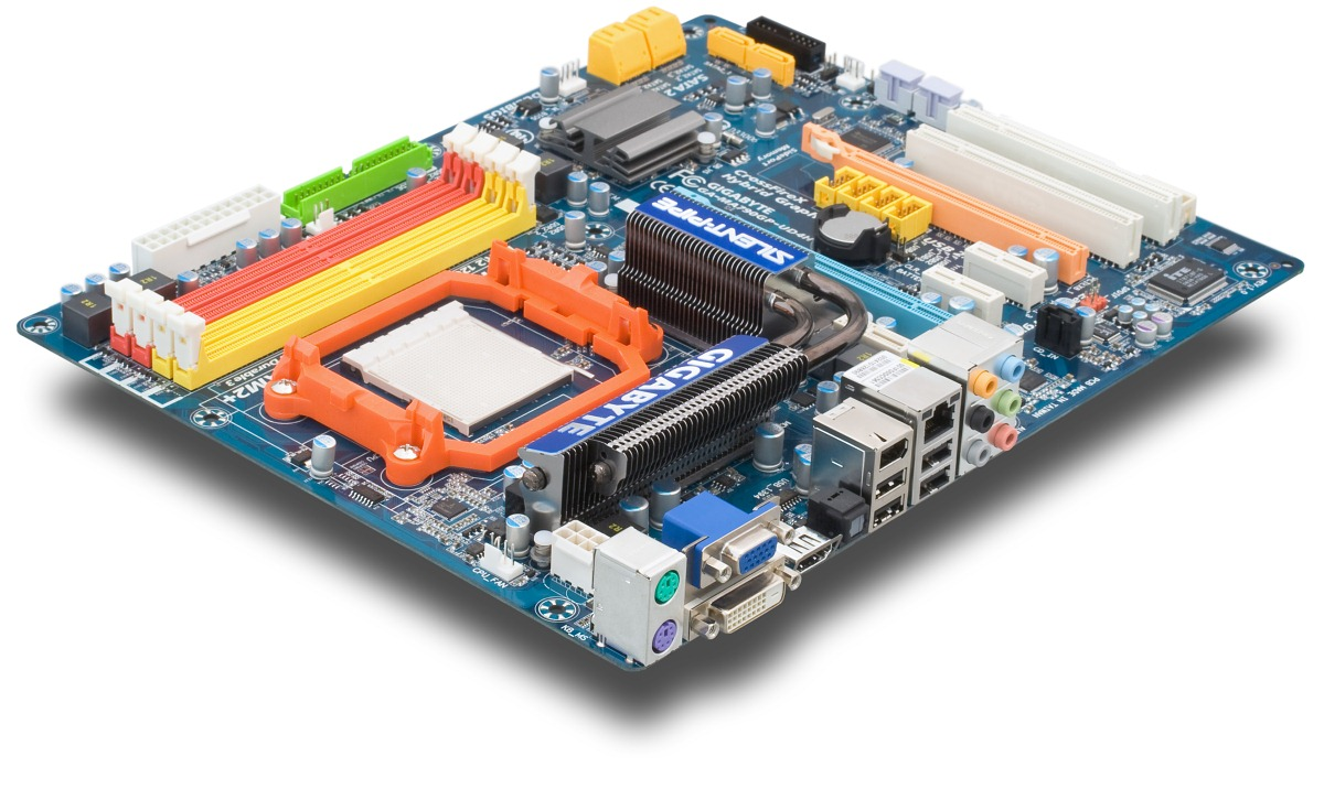 Design of this motherboard resembles the aforementioned MA790GP-DS4H, so  they look to be identical at first glance. However, if you take a closer  look, ...