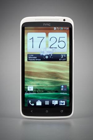 Передняя сторона смартфона HTC One X