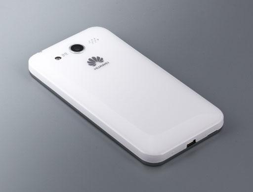 Обзор Huawei Honor. Взгляд на коммуникатор сзади