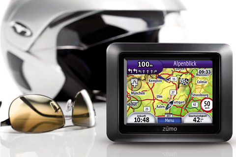 GPS Devices Garmin Zumo 220 Excellent Condition With Latest