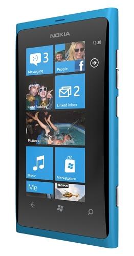 Nokia Lumia 800, правая грань