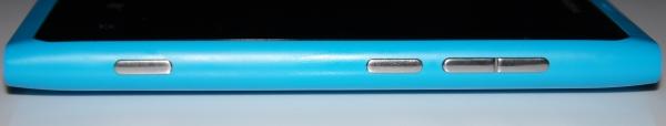 Nokia Lumia 800, клавиши боковой грани