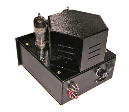 Выходные лампы 6Н6П в усилителе включены по схеме катодного повторителя Уайта.