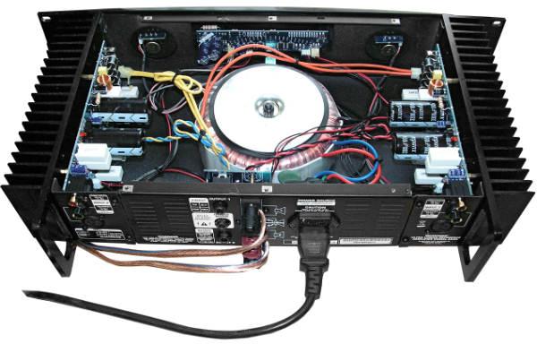 ...усилитель собран на транзисторах от Toshiba с высокой надежностью.