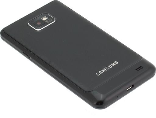 Обзор Samsung Galaxy S II. Задняя панель коммуникатора