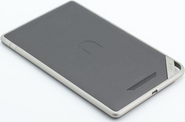 Вид задней стороны Nook Tablet