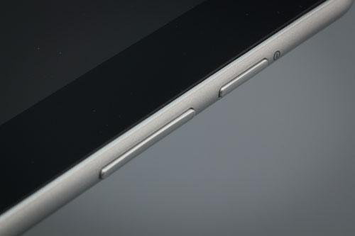 Внешний вид верхней грани планшета Samsung Galaxy Tab 10.1