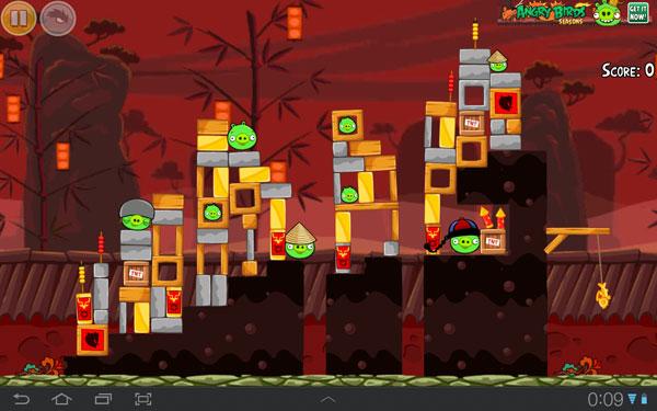 Скриншот игры Angry Birds Seasons на планшете Samsung Galaxy Tab 7.7