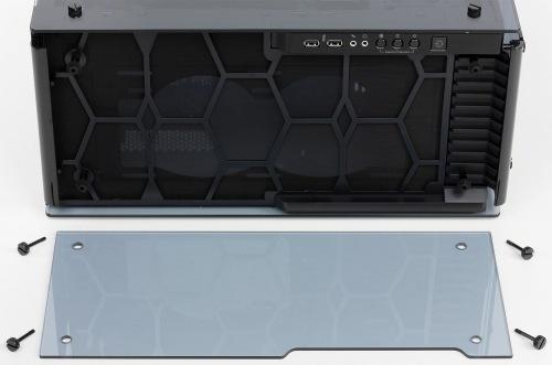 Конструкция верхней панели корпуса Corsair Crystal Series 570X RGB