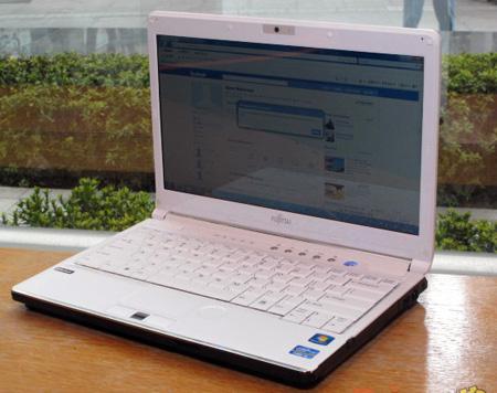 Fujitsu Lifebook SH561