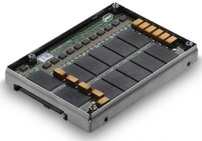 В серии SSD Hitachi Ultrastar SSD400M две модели объемом 200 и 400 ГБ