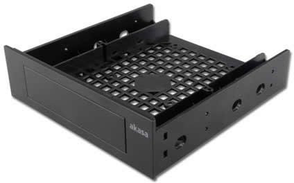 Вставка в отсек 5,25 дюйма Akasa HDM-23 может выполнять несколько функций