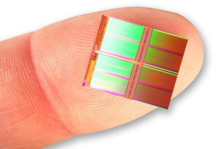 У Intel и Micron готов первый в мире чип NAND плотностью 128 Гбит