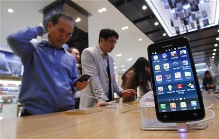 Samsung за удалось год продать более 300 млн. сотовых телефонов