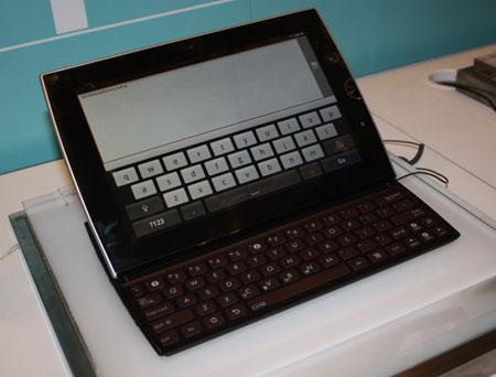 Минимальная стоимость планшета Eee Pad Slider SL101 в Европе составит 480 евро